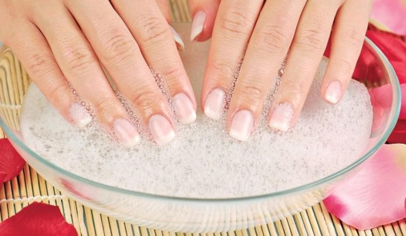 Ванночка с солью для ногтей
