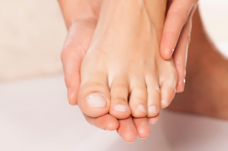 Народные средства для лечения грибка ногтей стопы