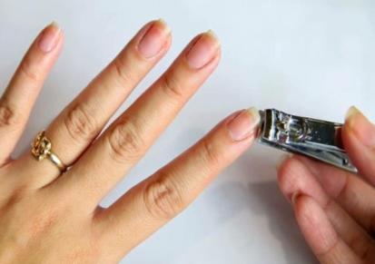 Лунный гороскоп стрижки ногтей