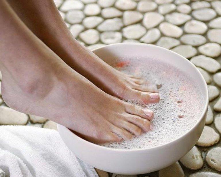 Шелушиться кожа между пальцами ног и большом пальце thumbnail
